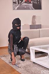 Burglar XXX Alarm: A Black Babe's Deep Throat Threesome